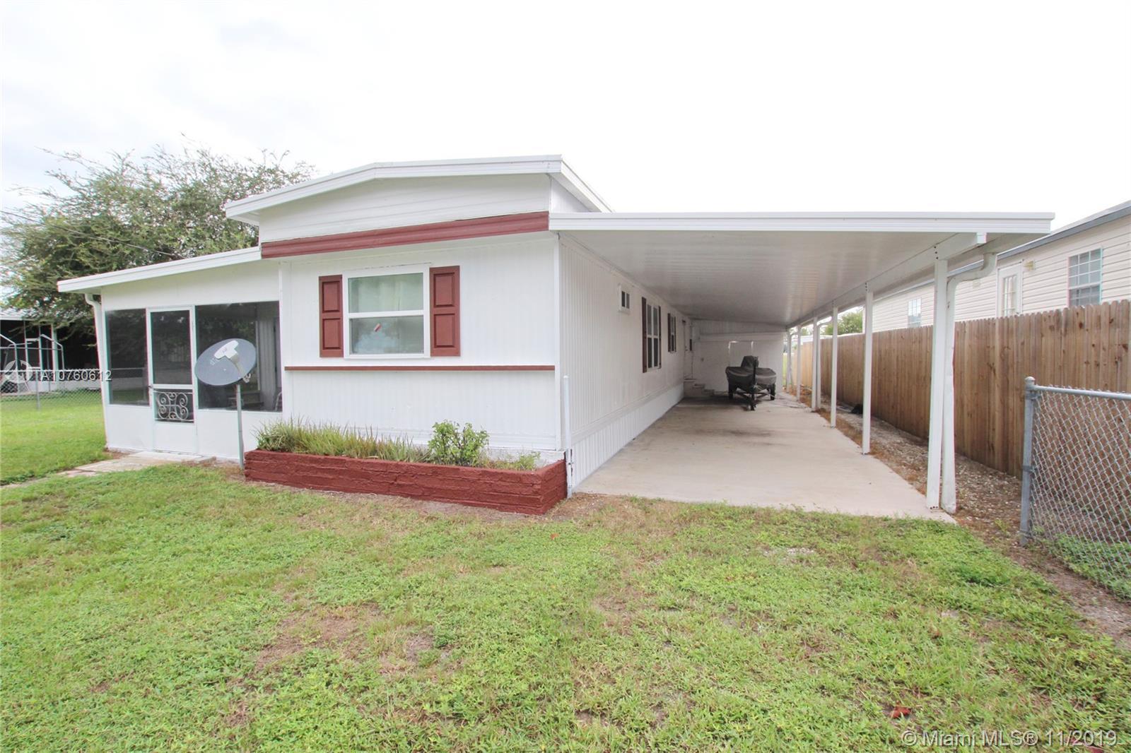 1061  Lake Circle  For Sale A10760612, FL