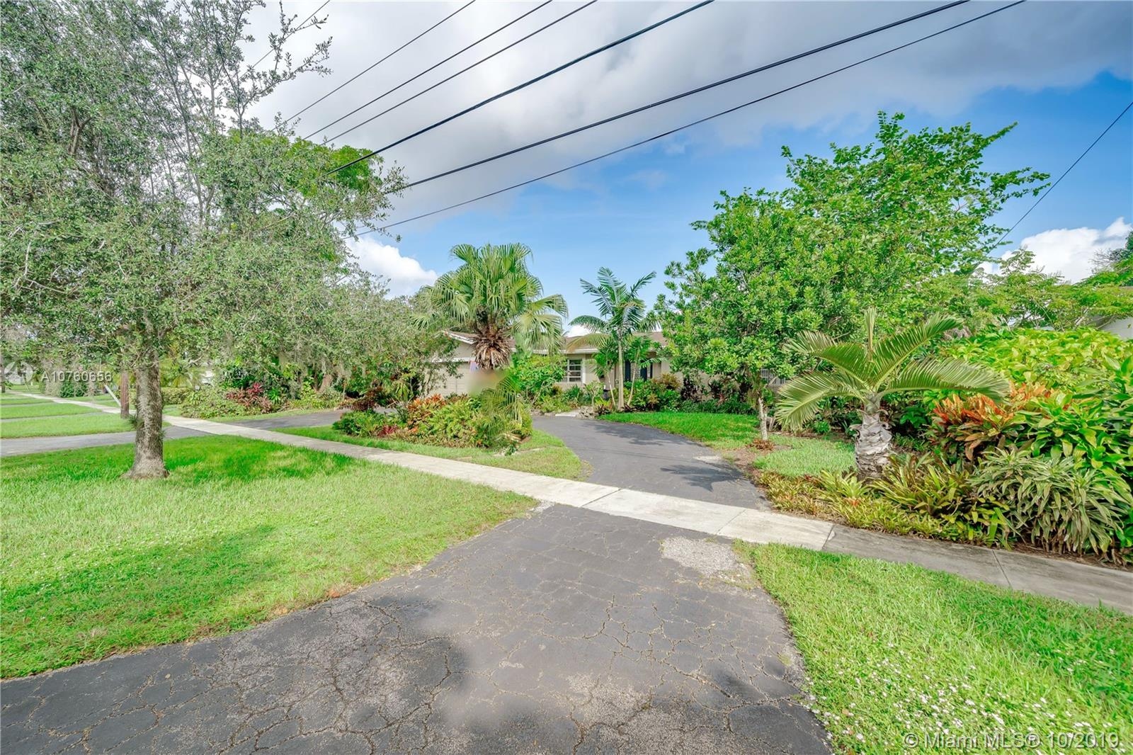7491 NW 11th Pl, Plantation, FL 33313