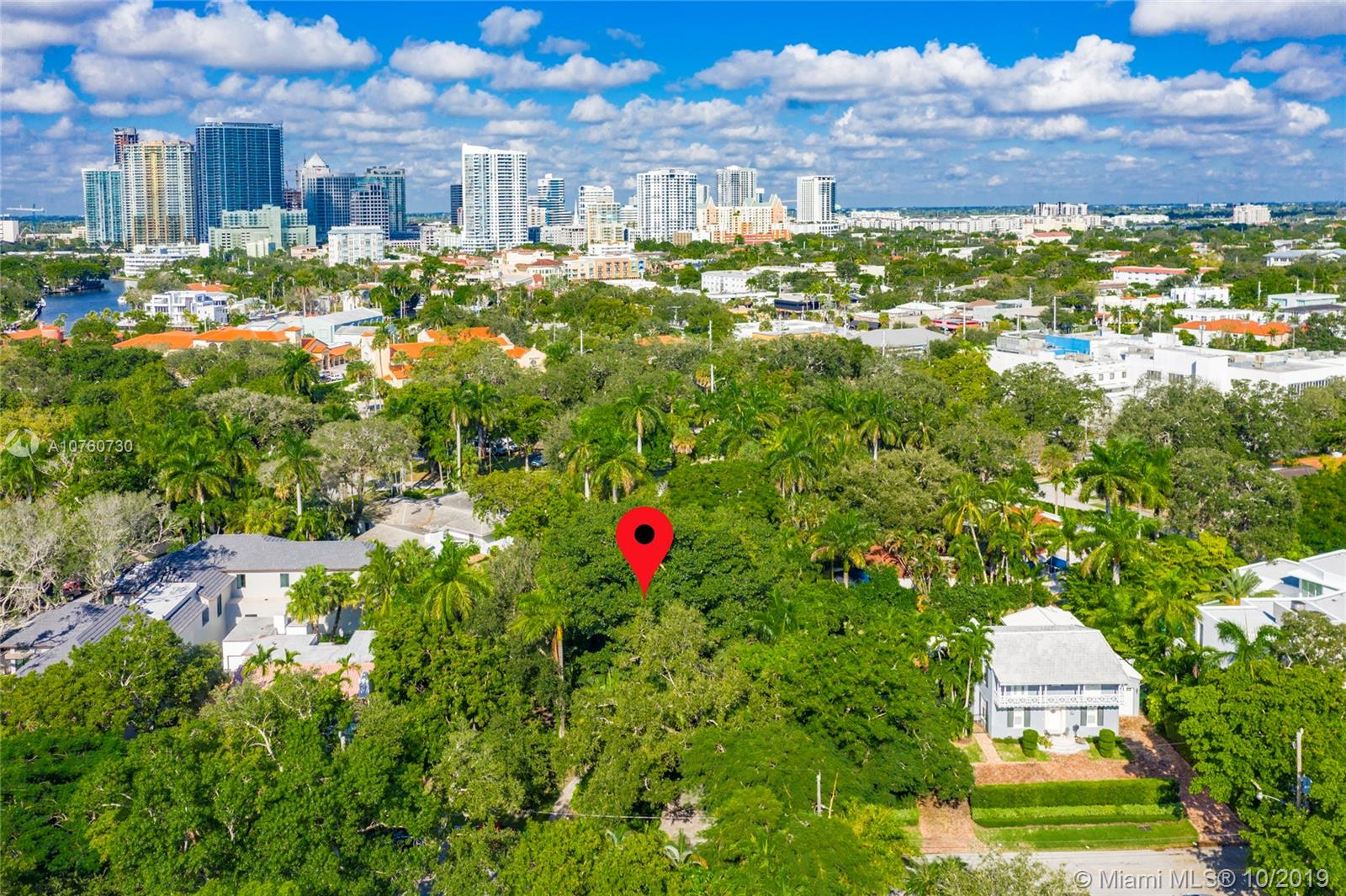 425 SE 17th Ave  For Sale A10760730, FL