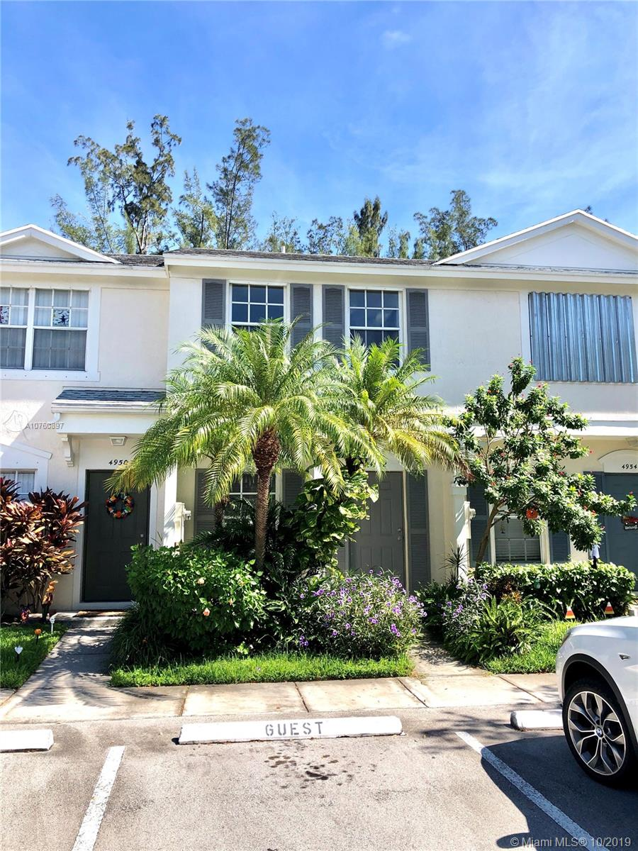 4952 SW 31st Ter  For Sale A10760897, FL