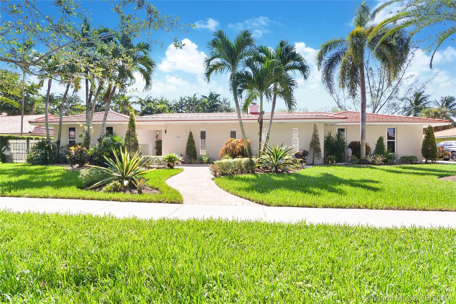 6800  Gleneagle Dr  For Sale A10760704, FL