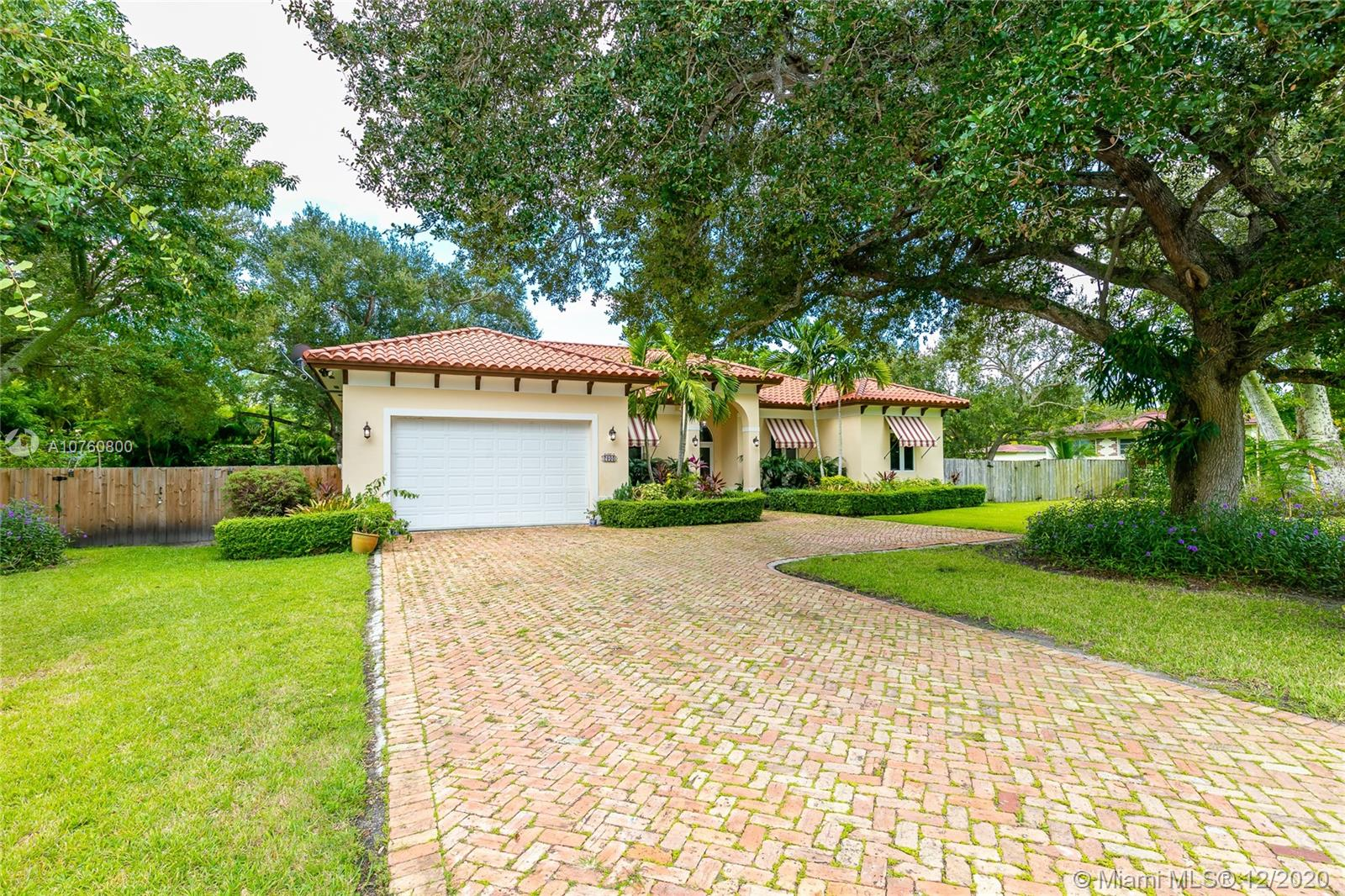 7900 SW 71 Avenue  For Sale A10760800, FL