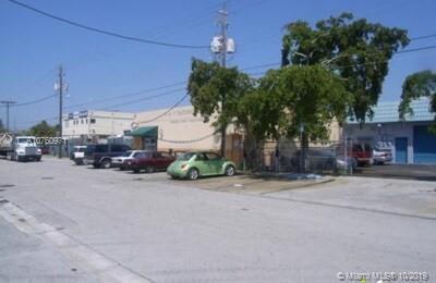 559 NW 28 ST, Miami, FL 33127