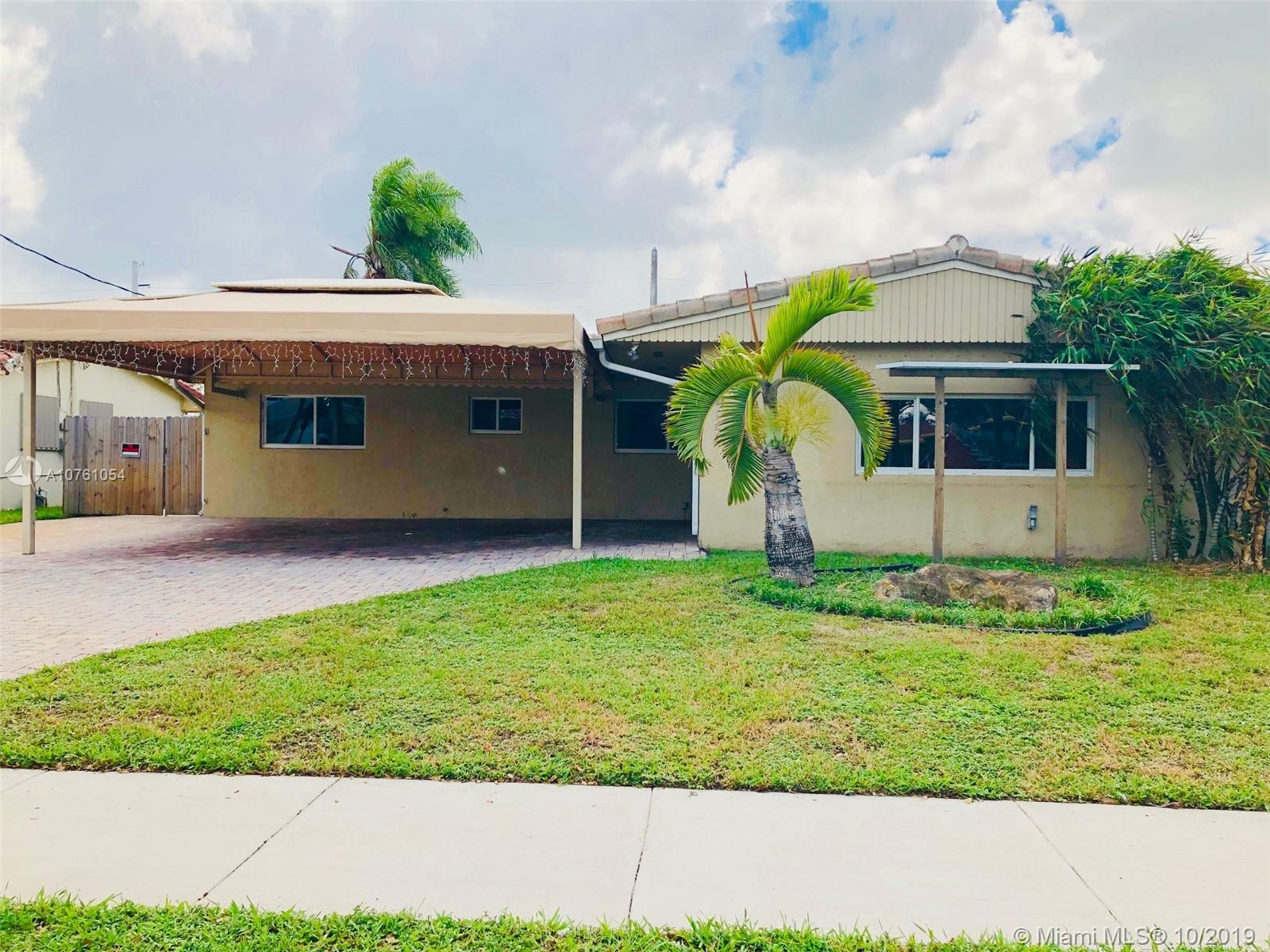 2828  Cleveland St  For Sale A10761054, FL