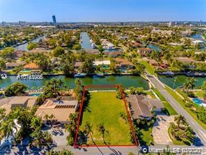 606  Hibiscus Dr  For Sale A10761086, FL