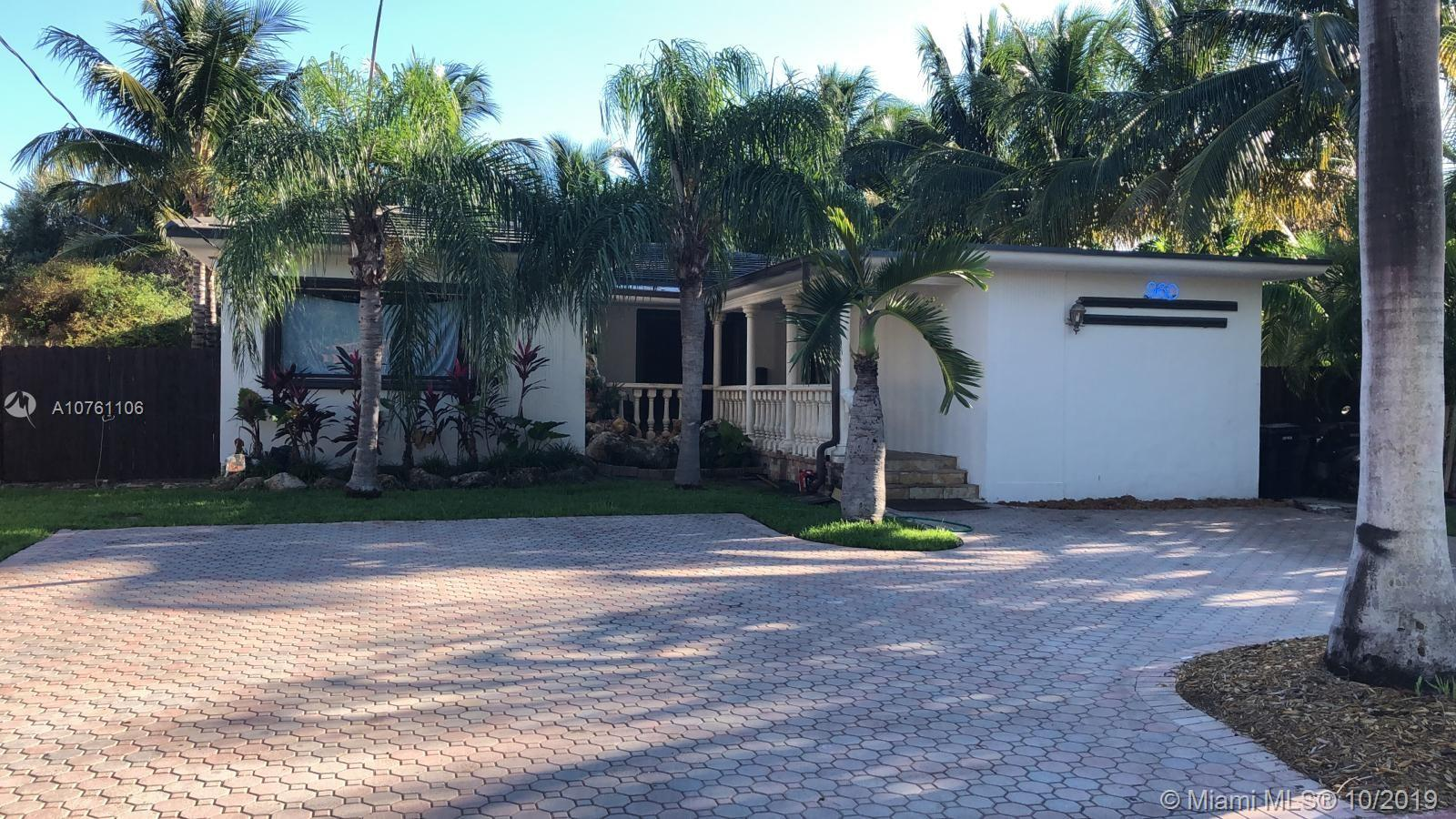 960 S Shore Dr  For Sale A10761106, FL