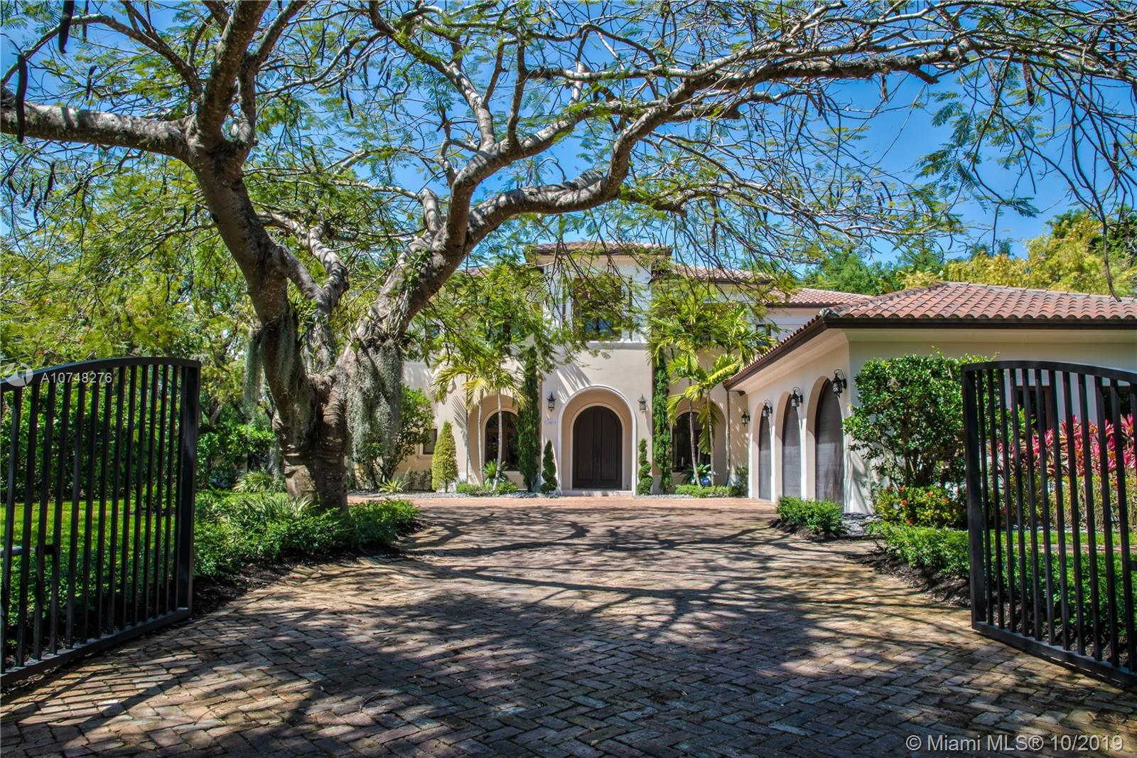 6885 SW 92nd St  For Sale A10748276, FL