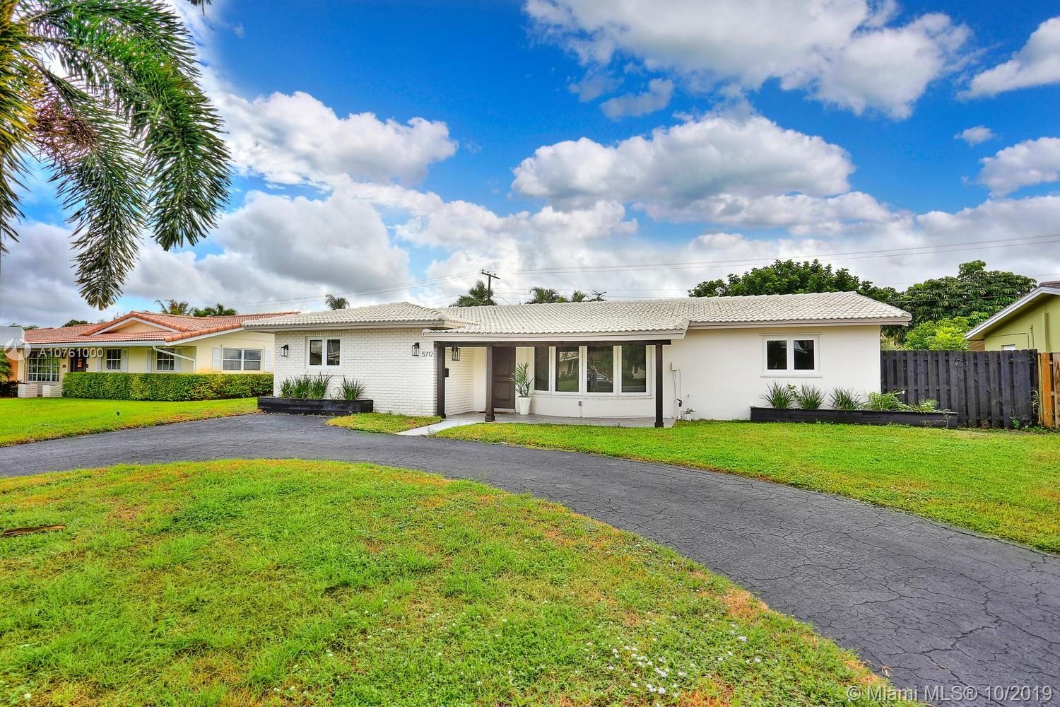 5712 NE 16th Ave  For Sale A10761000, FL