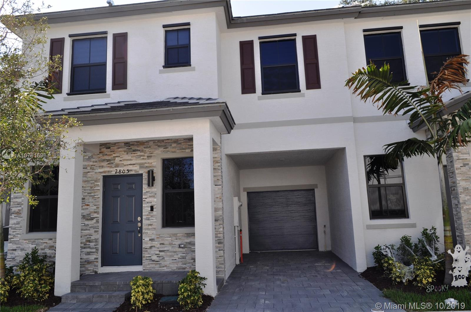 2805 SW 17 Avenue  For Sale A10761696, FL