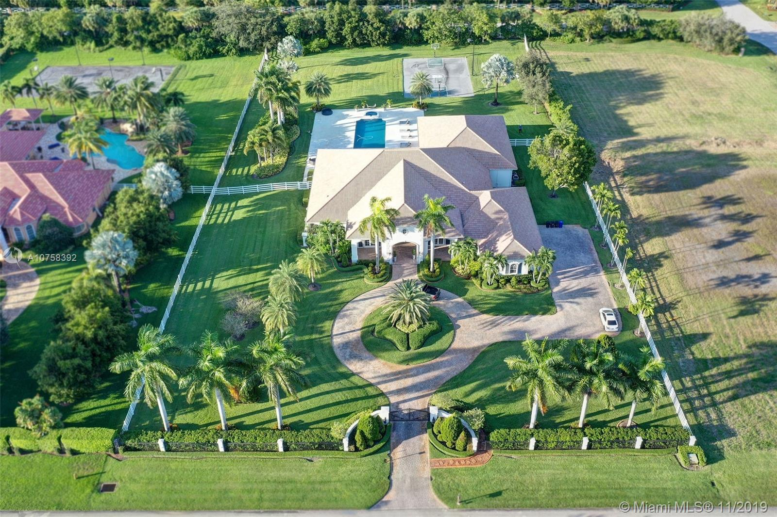16875  Berkshire Ct  For Sale A10758392, FL