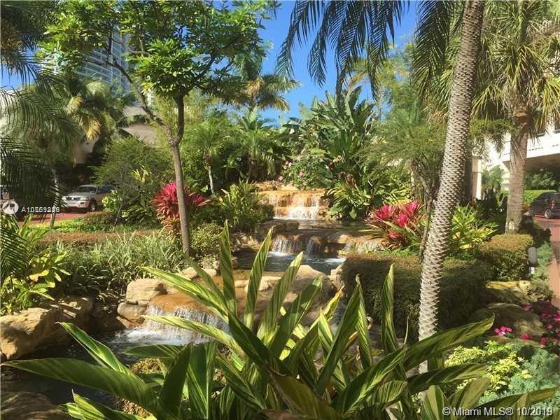 19707  Turnberry Way #18K For Sale A10761836, FL