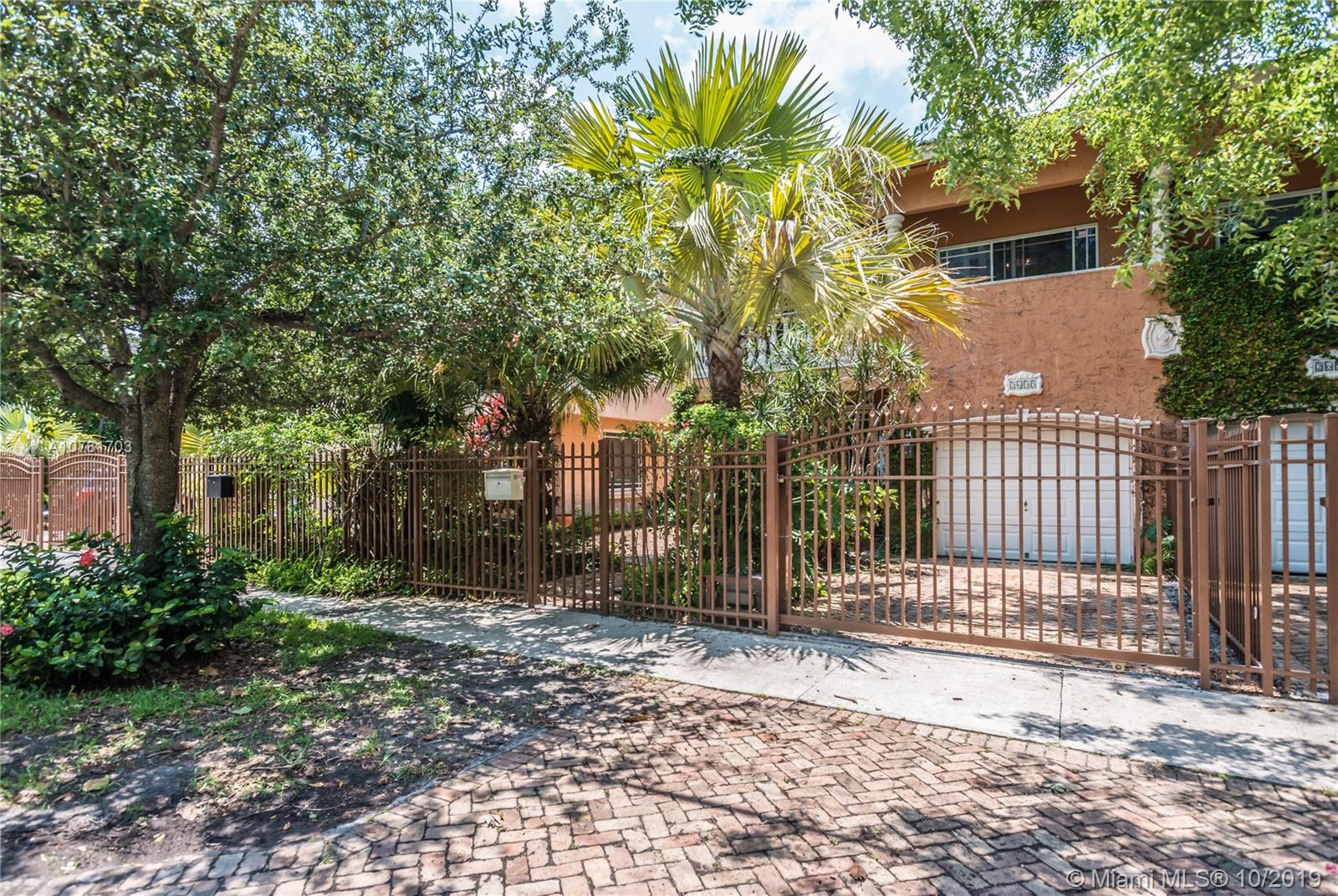 2635  Tigertail Ave #2635 For Sale A10761703, FL