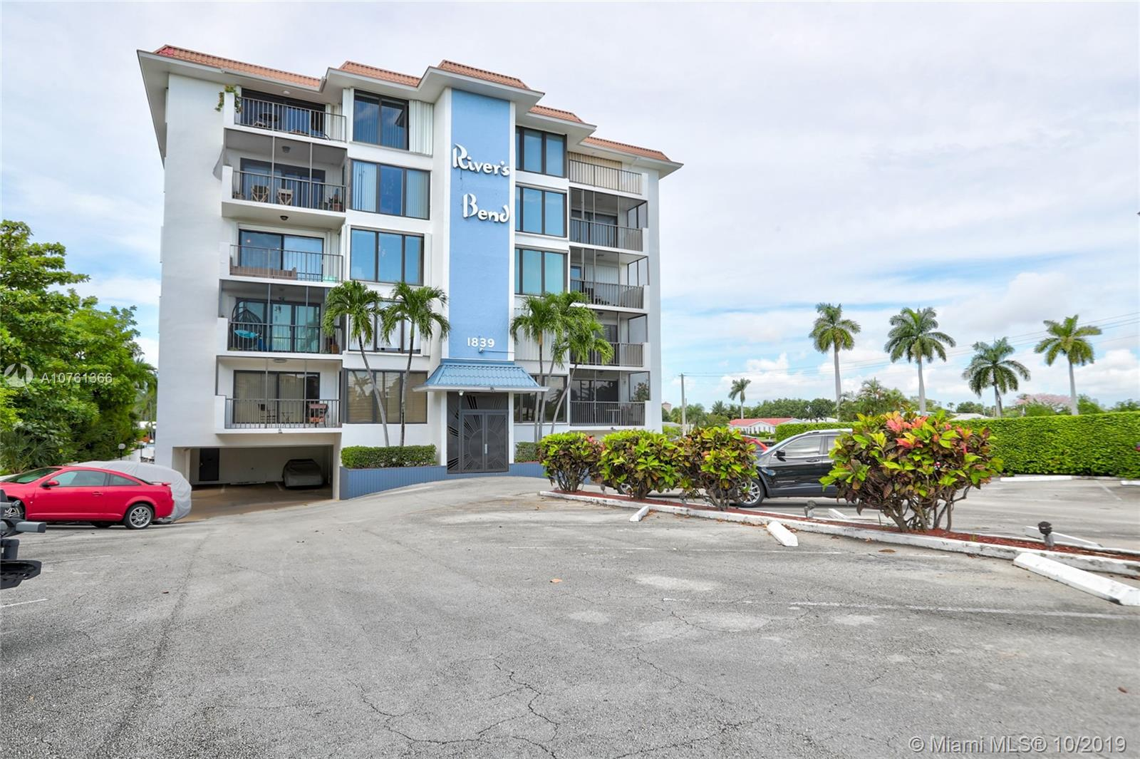 1839  Middle River Dr #305 For Sale A10761366, FL