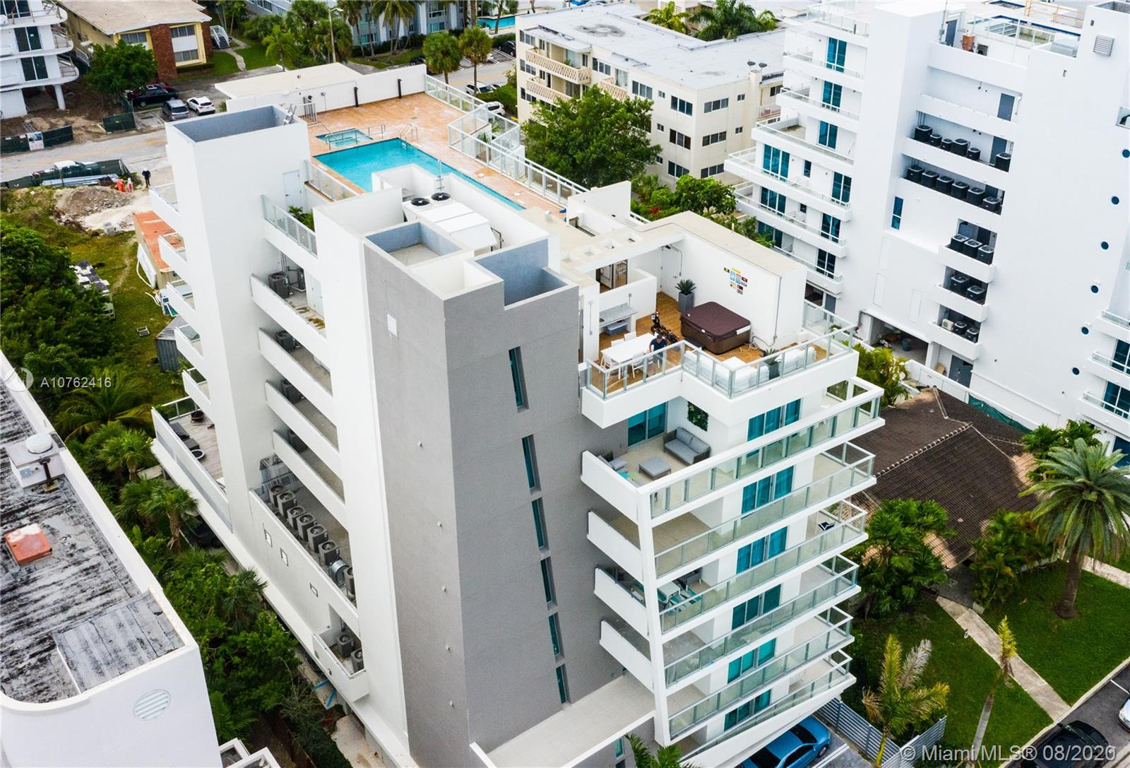 NO RENTAL RESTRICTIONS Brand new, never lived in 946 sqft, a furnished condo in Bay Harbour Island. This boutique building with refined finishes has only 17 residences, rooftop pool, electronic concierge, automated door locks and blinds, smart thermostat. Two-bedroom two full bathrooms, summer kitchen, 2 parking spaces. All rooms with balcony access. Walk to the beach and the prestigious Bal Harbour Mall.