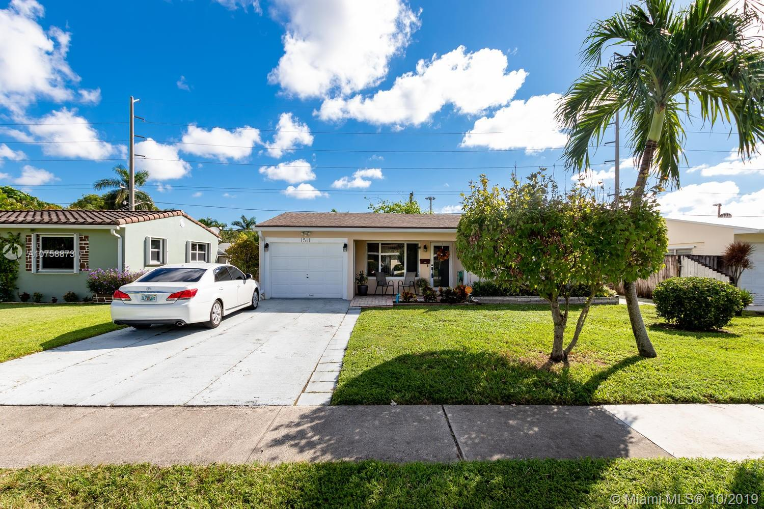 1511 N 31st Rd  For Sale A10758873, FL