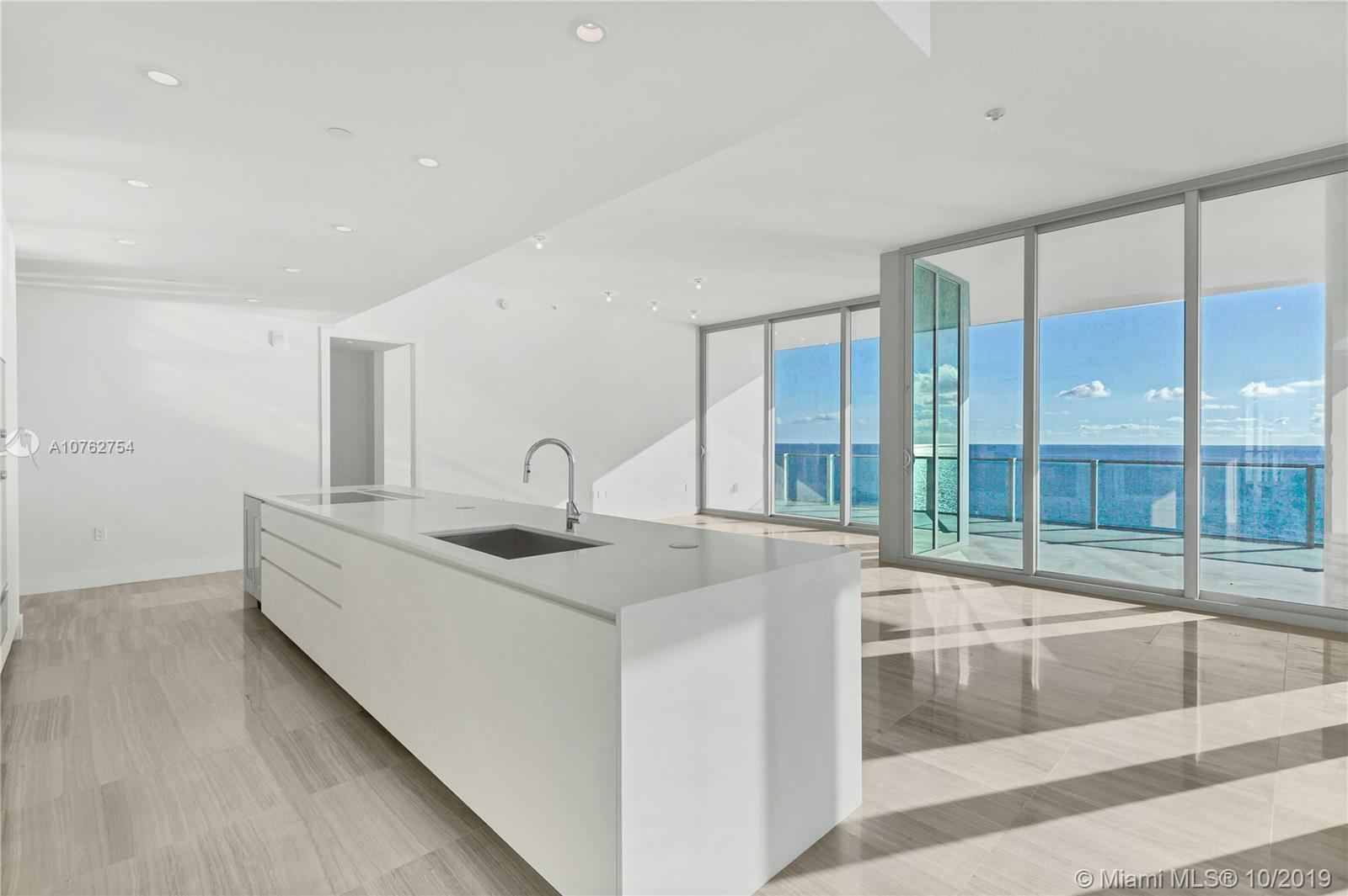 6901  Collins Ave #1202 For Sale A10762754, FL