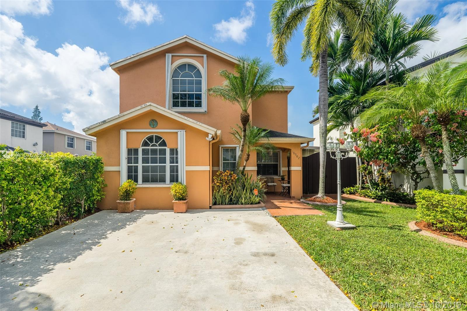 16382 SW 139th Ave  For Sale A10762828, FL