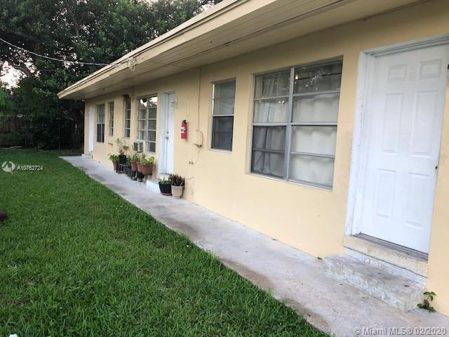 6020 SW 37th St  For Sale A10762724, FL