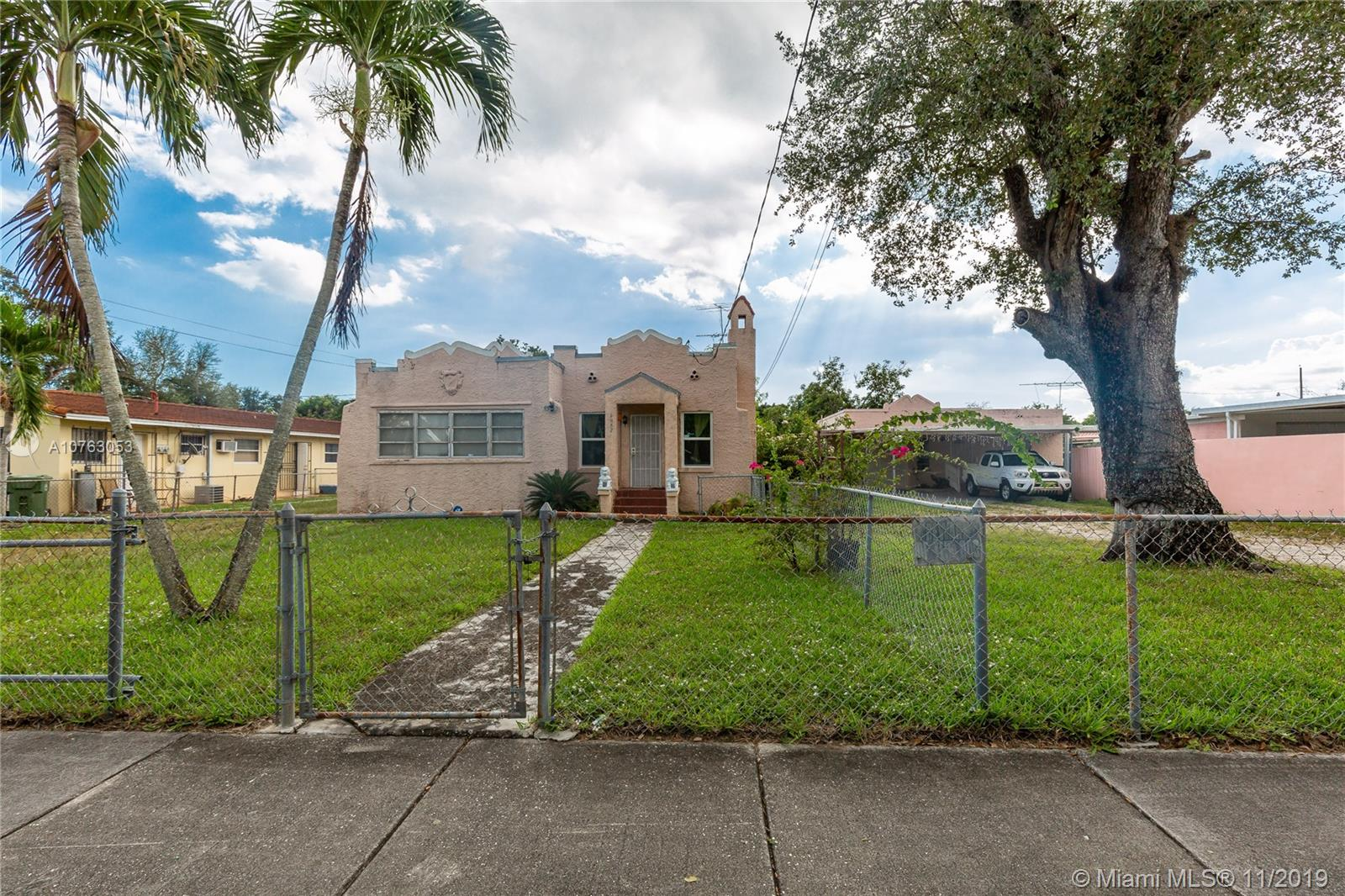 3082 NW 15th St  For Sale A10763053, FL