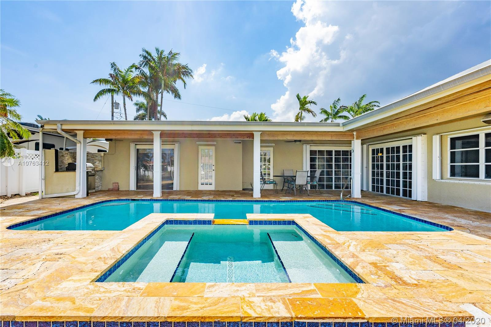 2741 NE 10th St  For Sale A10763412, FL