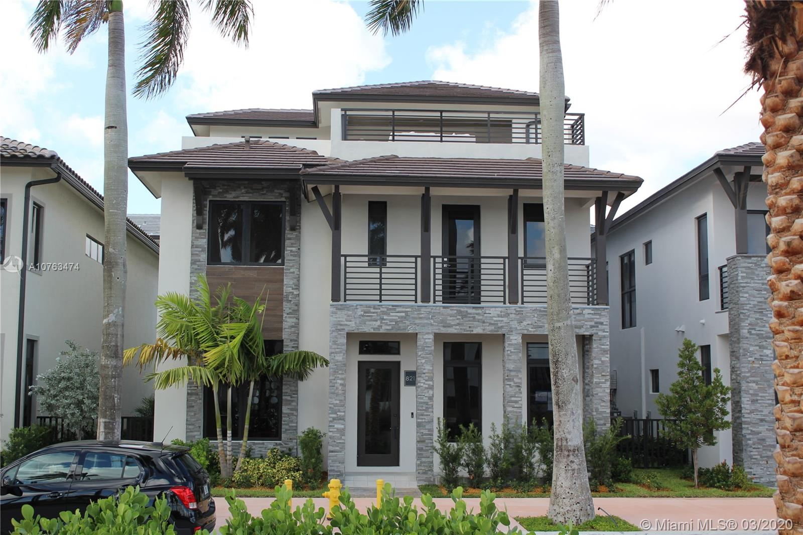 8215  CENTRAL PARK BLVD.  For Sale A10763474, FL