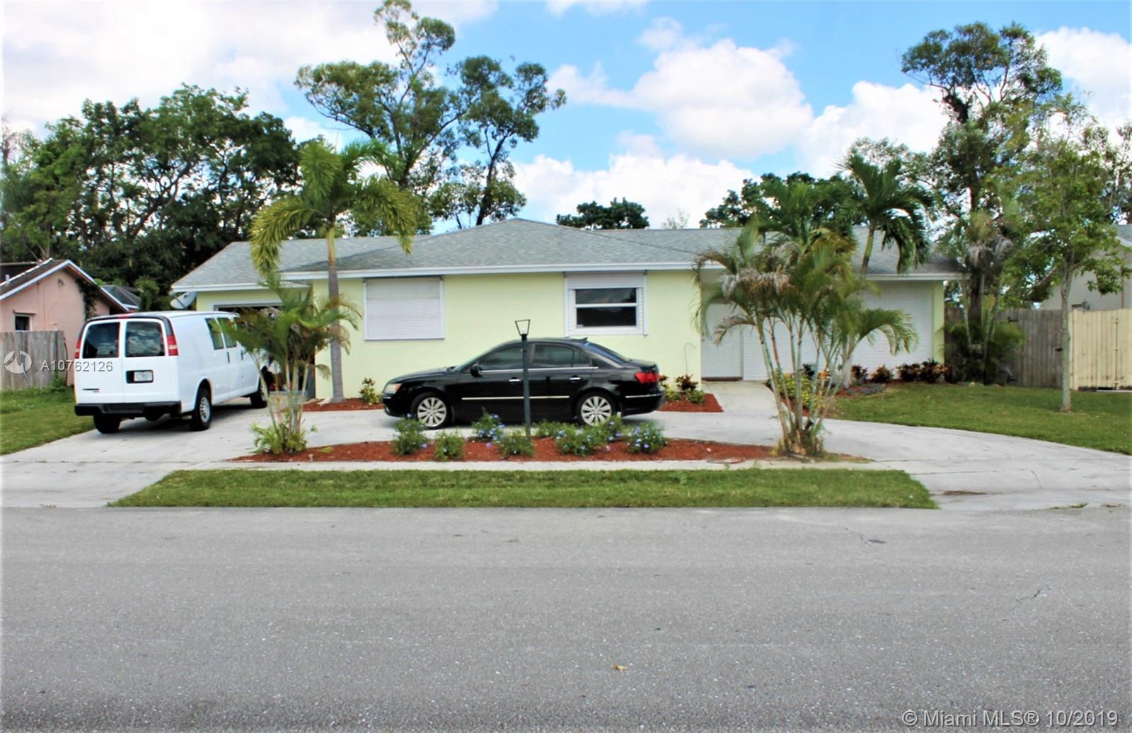 10637 Sleepy Brook Way, Boca Raton, FL 33428