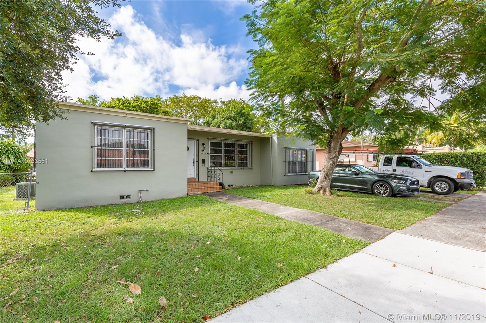 2120 SW 17th St  For Sale A10763551, FL