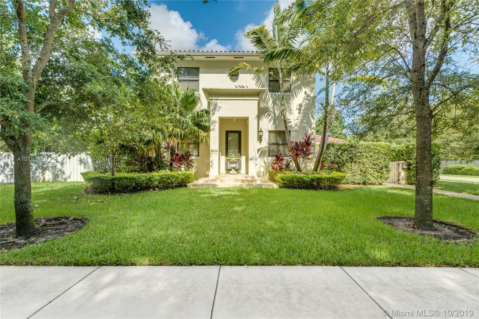 7402 SW 54th Ct  For Sale A10752139, FL