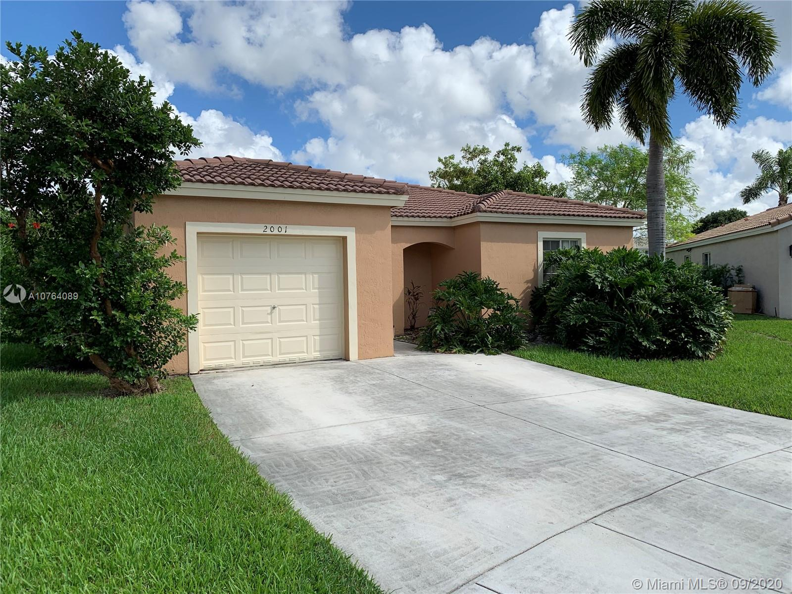 2001 SW 104th Ave  For Sale A10764089, FL
