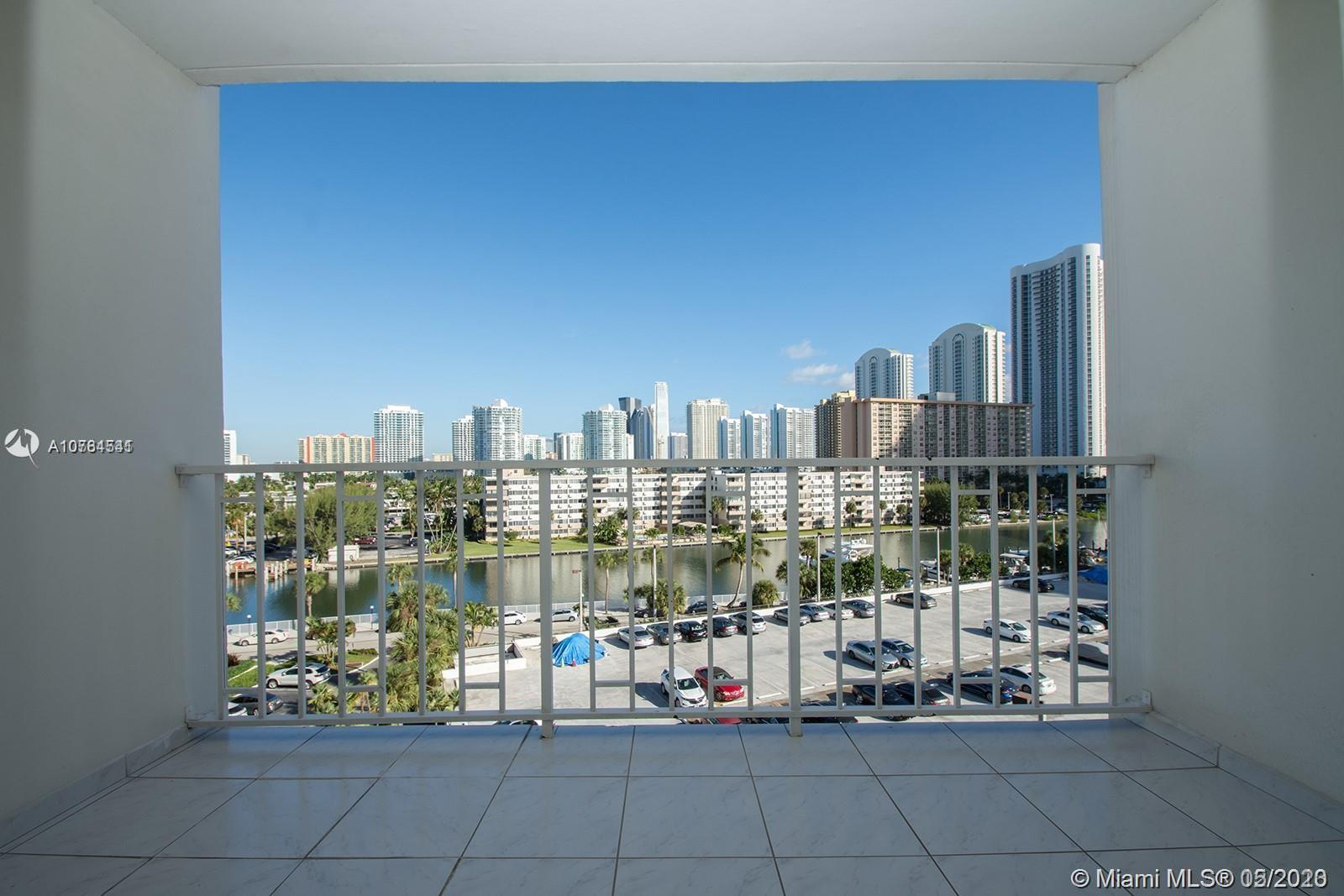 300  Bayview Dr #611 For Sale A10764541, FL