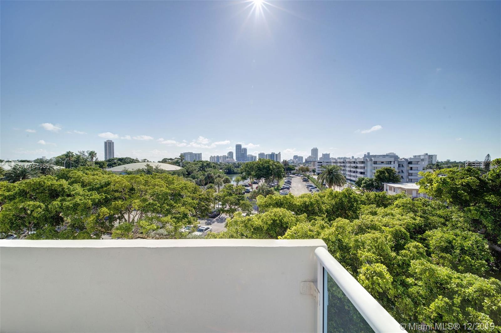 7441  Wayne Ave #4R For Sale A10764665, FL