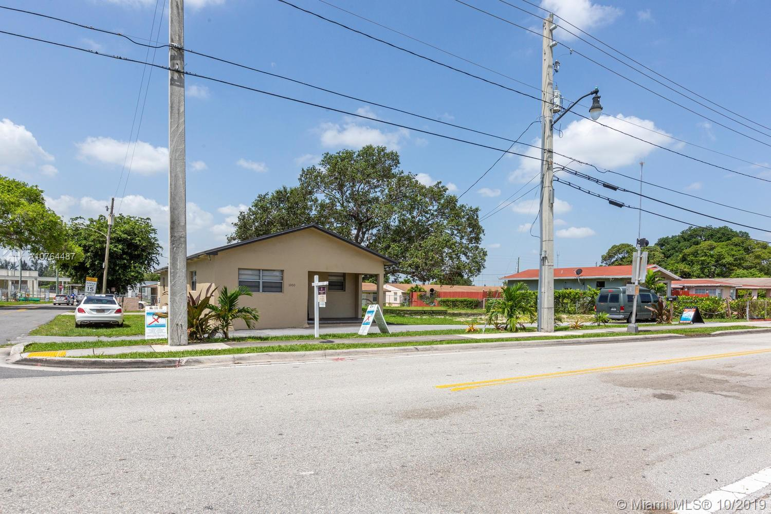 1000  Foster Rd  For Sale A10764487, FL