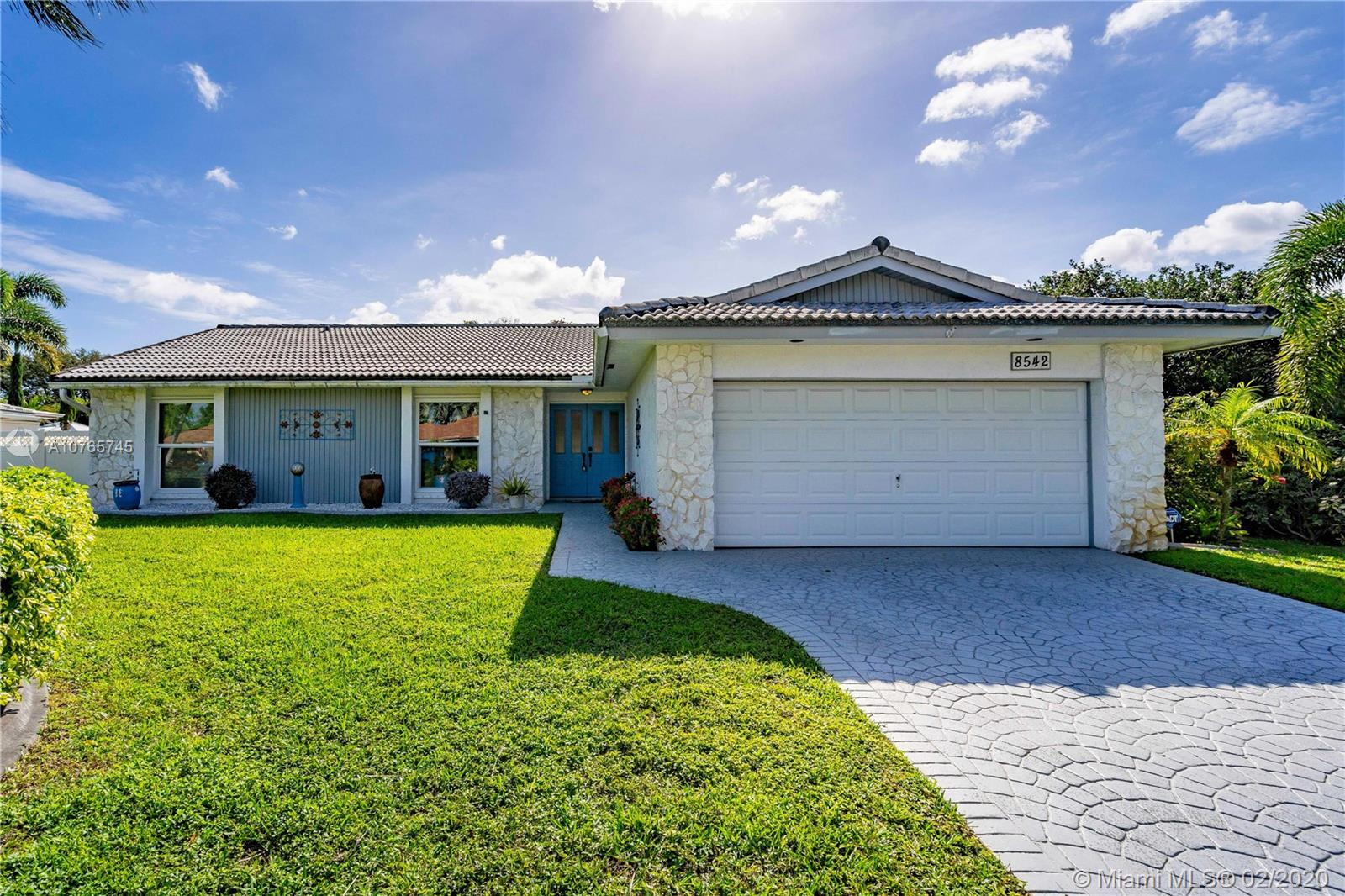 8542 NW 7th St, Coral Springs FL 33071