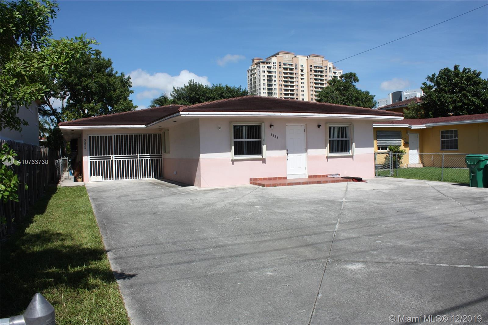 3325 SW 23rd Ter  For Sale A10763738, FL