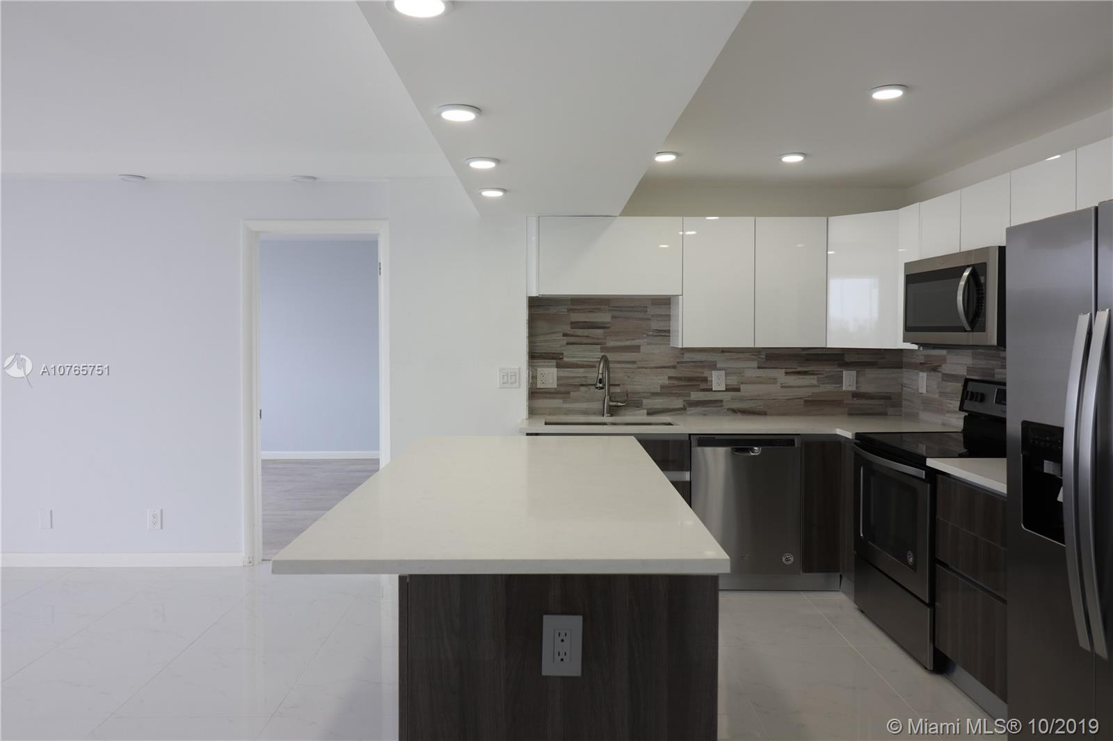 ABSOLUTELY GORGEOUS, FULLY REMODELED, 2 BED/2 BATH UNIT!!! Just a block from Fort Lauderdale Beach, RARE Yacht docking Condo on the Intercoastal! PREMIUM MATERIALS ONLY!! Beautiful Modern open kitchen, all Stainless Steel appliances with Quartz countertops! Stunning designer bathrooms! Beautiful Large Porcelain Tiles in living room, Wood floor in bedrooms and advanced LED lights throughout!! Resort style amenities: Pool, Hot Tub, Fitness Center, BBQ/Grill area, Tiki Bar, Clubroom, Library, Play room and Dockage as available! Walking distance from the best Restaurants, Events, the Brand New Las Olas Beach Park, Swimming Hall of Fame, Marinas! SPECIAL FINANCING WITH KELLER MORTGAGE, FHA APPROVED!