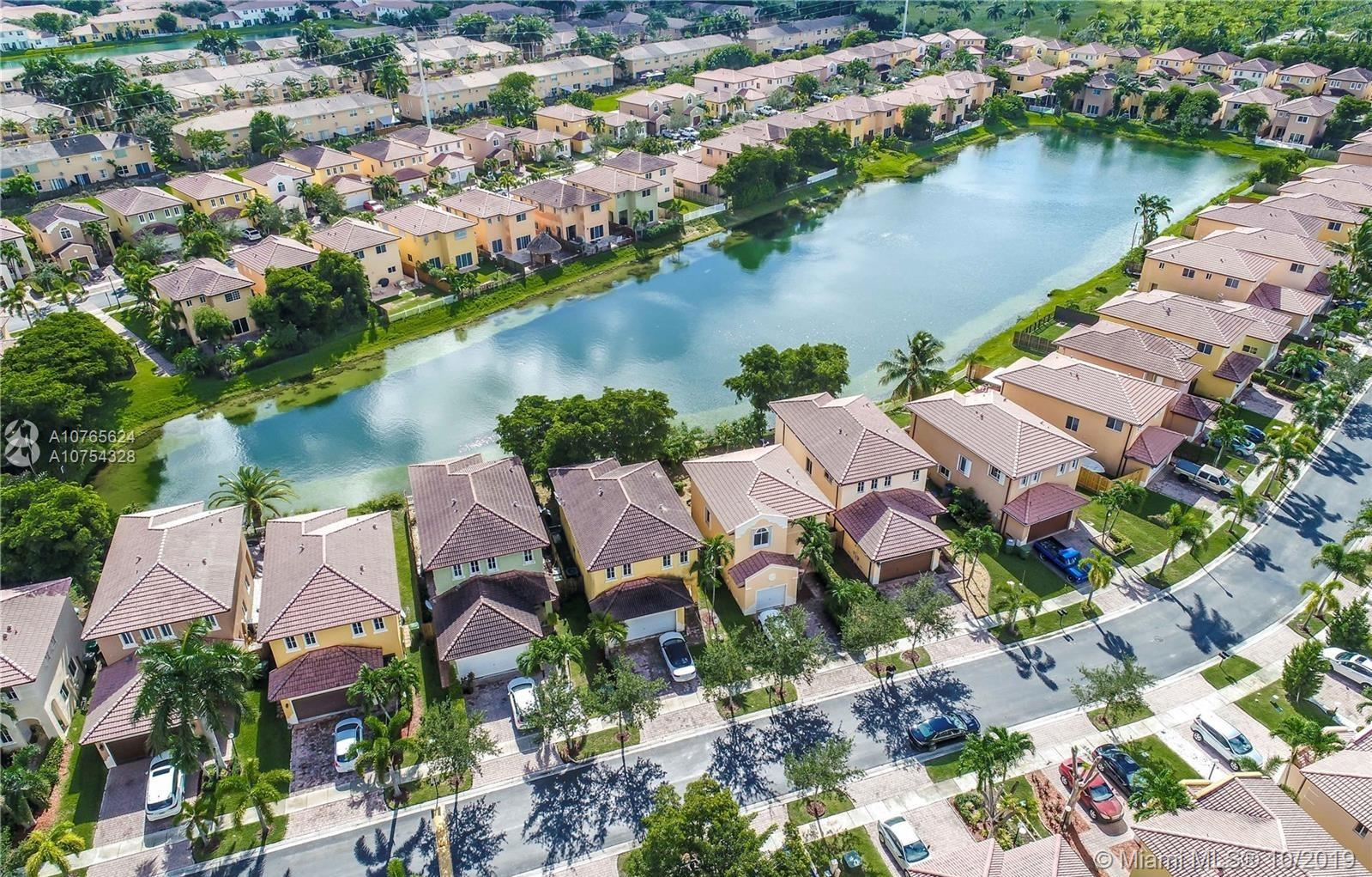 997 NE 41st Ave  For Sale A10765624, FL