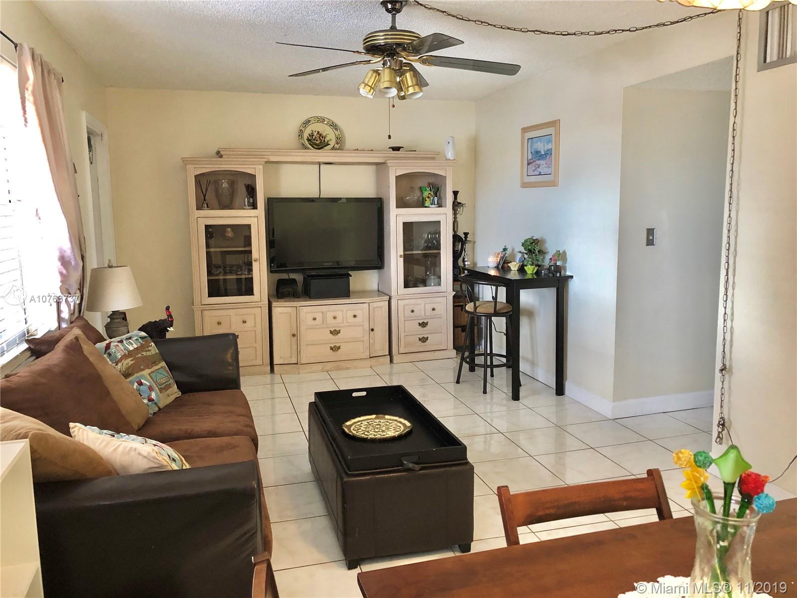 2145  Pierce St #423 For Sale A10763737, FL