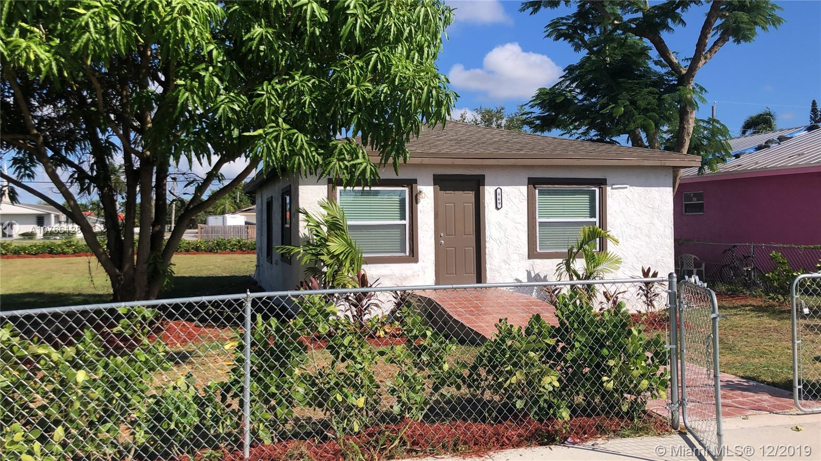 869 SW 7th St  For Sale A10766128, FL