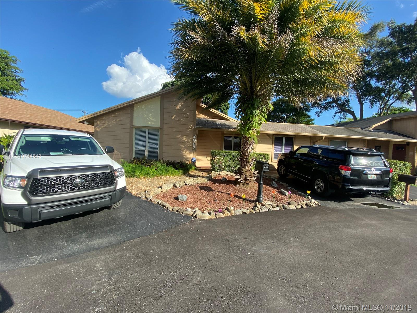 2082 SW 71st Way  For Sale A10764842, FL