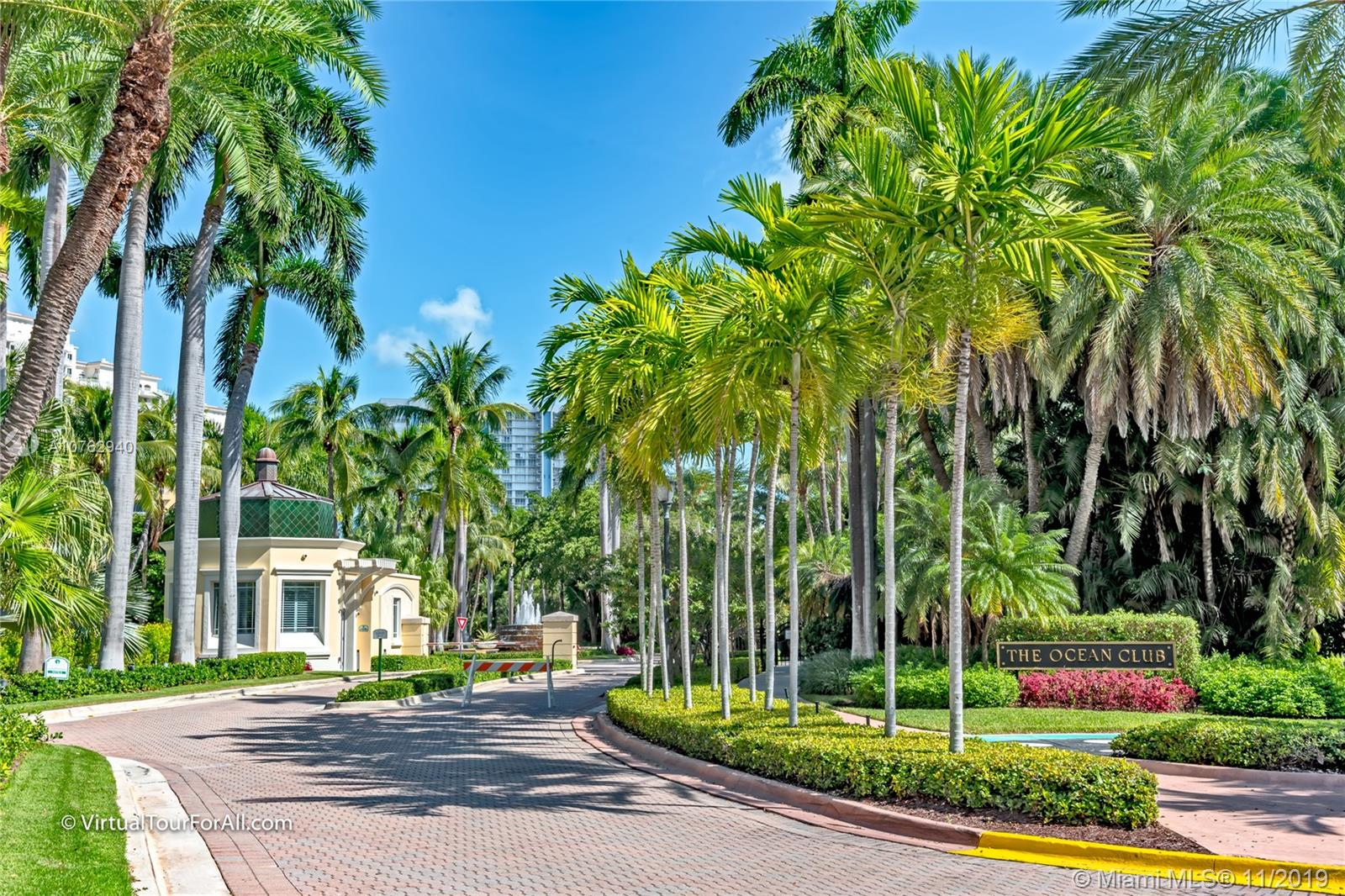 725  Crandon Blvd #203 For Sale A10762940, FL