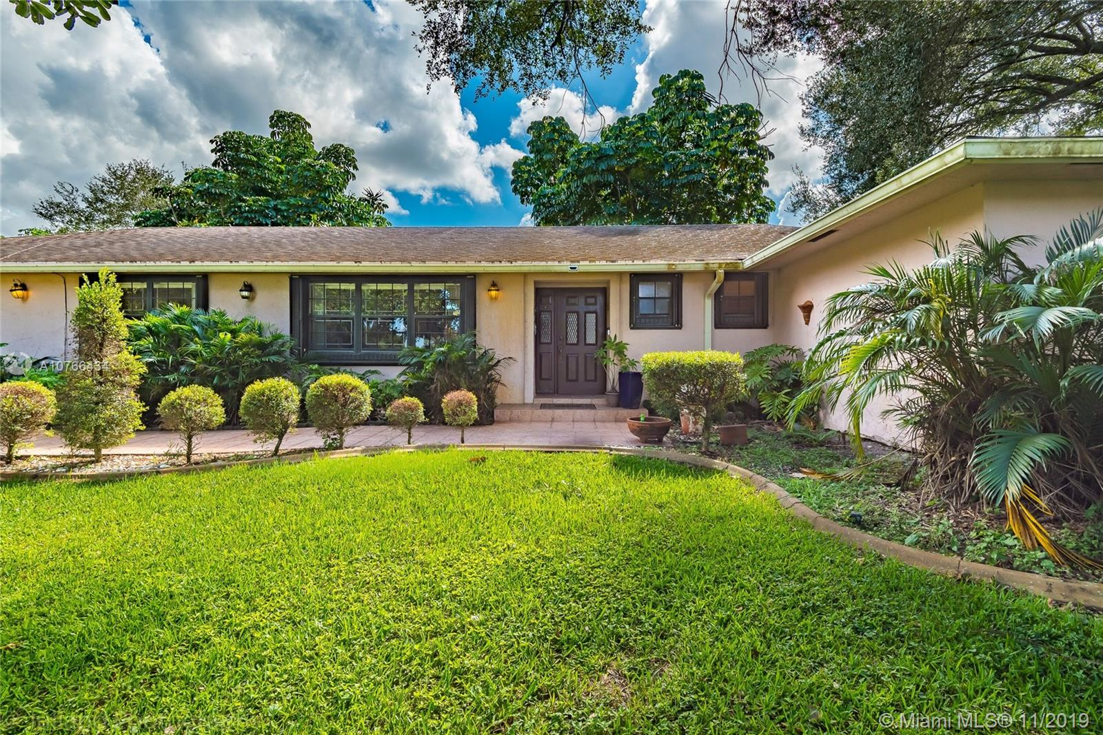 20510 SW 50th Pl  For Sale A10766434, FL