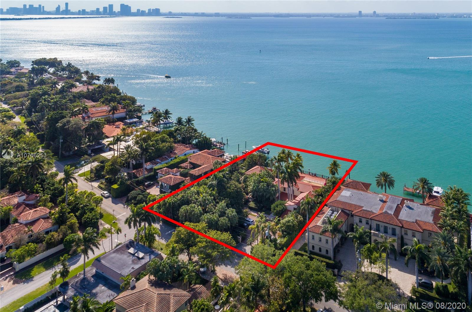 5212 N Bay Rd  For Sale A10766253, FL