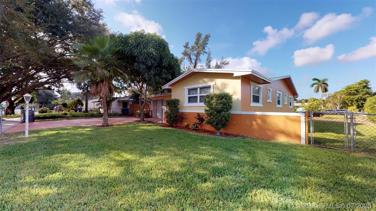 632 N 28th Ave  For Sale A10766608, FL