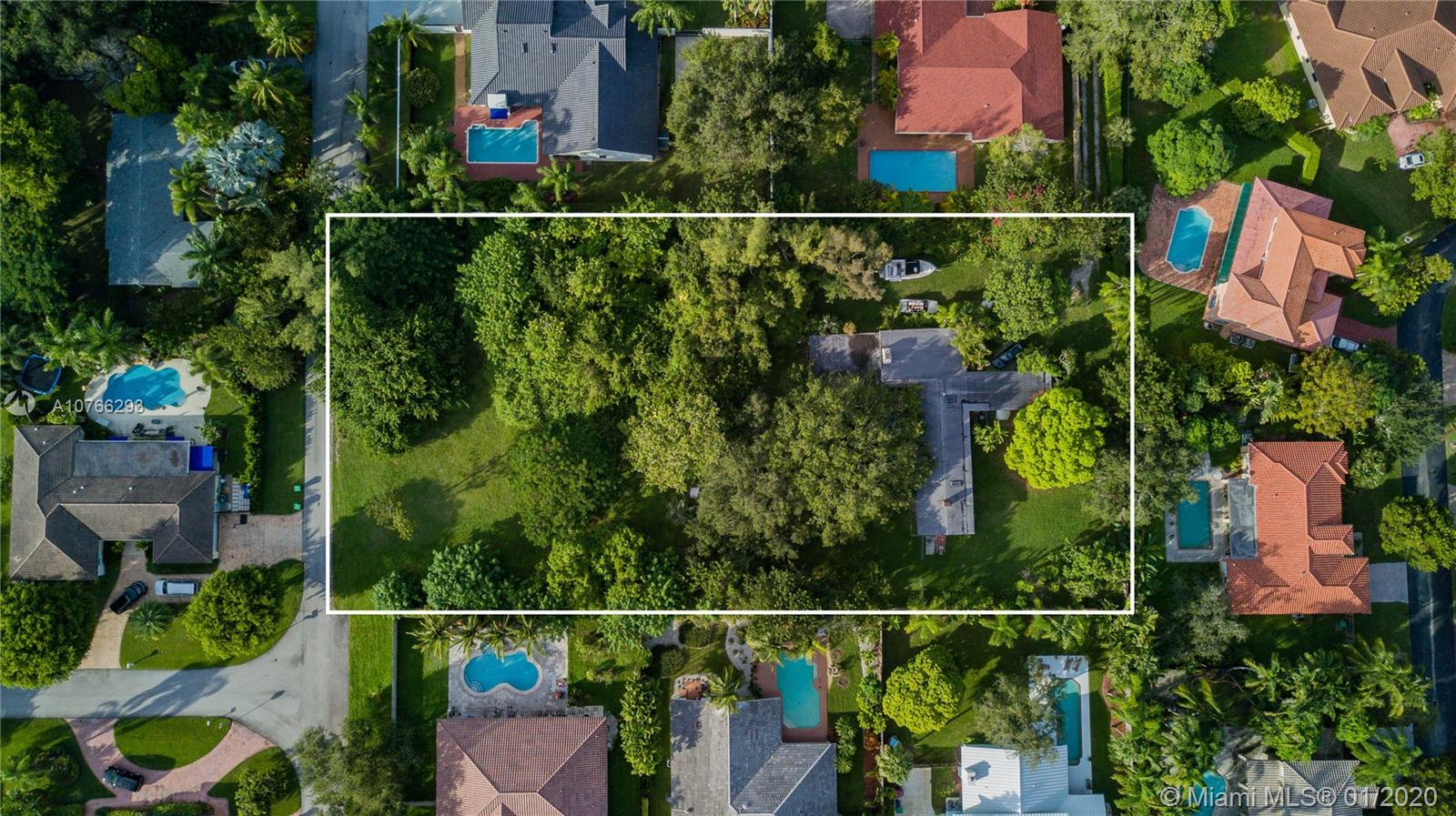 8275 SW 172nd St  For Sale A10766293, FL