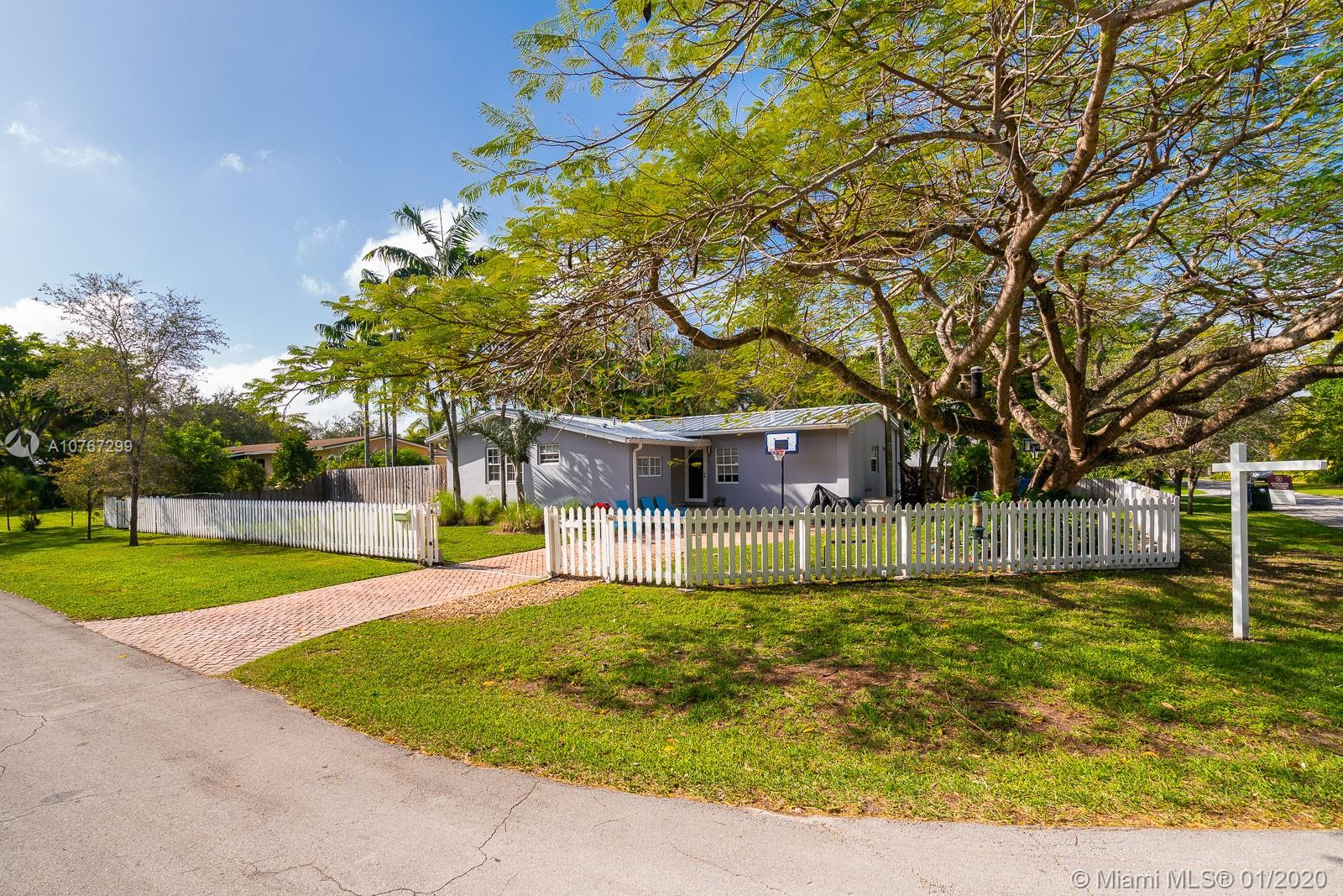 6520 SW 76th St  For Sale A10767299, FL