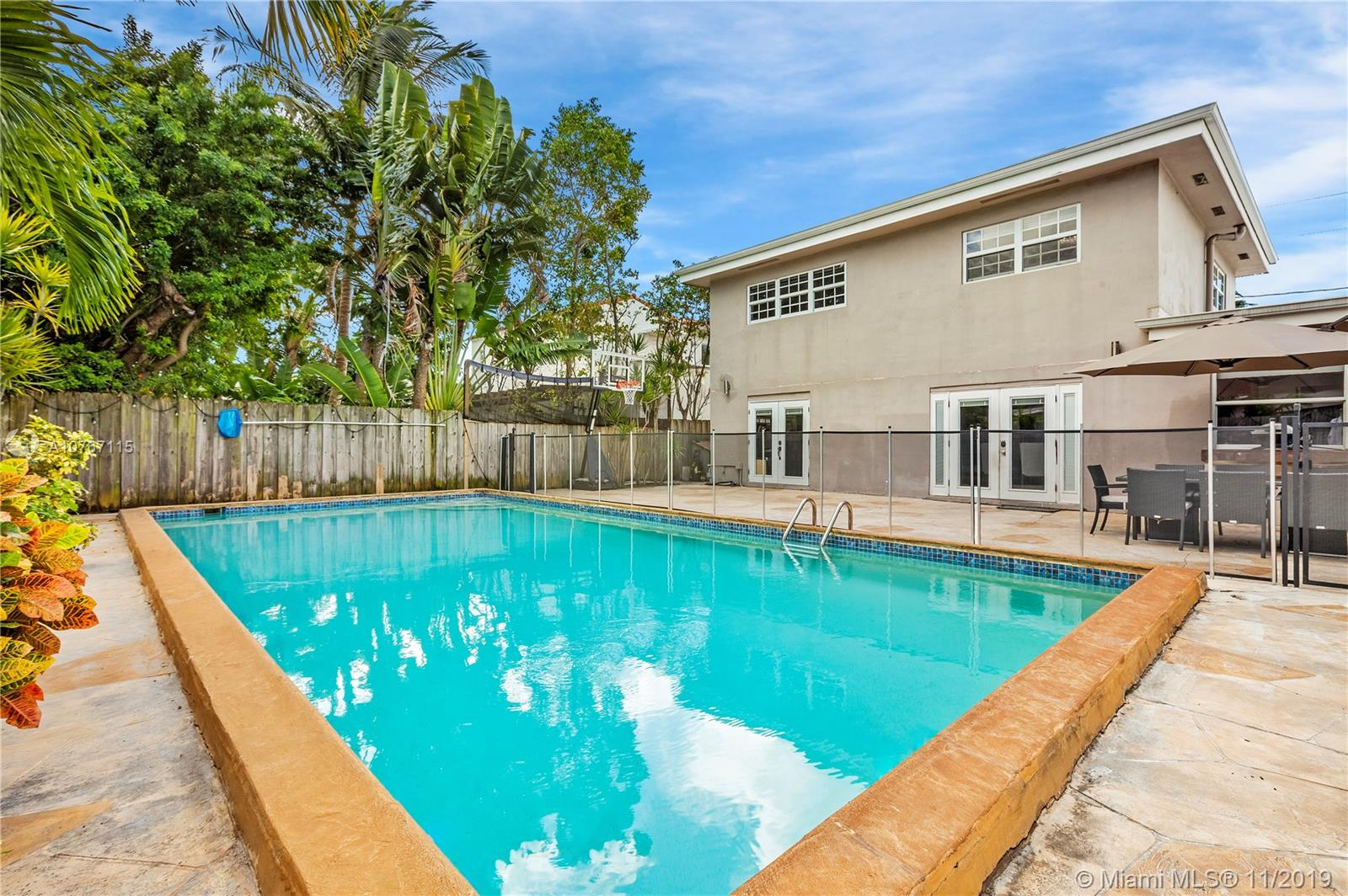 9525  Carlyle Ave  For Sale A10767115, FL