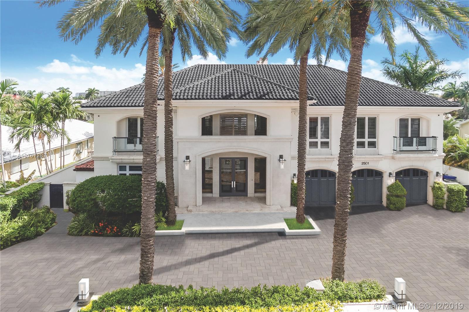 Customize this Luxury Waterfront Estate, in Prestigious Harbor Beach. This Gated estate has over 8,707SF with 7 bedrooms, 7.5 baths and can accommodate a Mega yacht, at its private dock w/dual power, water stations and 105' of deep water, minutes to the ocean w/direct access/no bridges. Features a circular driveway w/fountain, splendid high ceilings, 3 car garage and 8 new AC's. Master suite with terrace, his and hers walk in closets, elevator, security system, smart home lighting, full sound system, bi-level pools with swimup bar, waterfall and jacuzzi. Private Beach for Harbor Beach residents, security, & extra dockage available. Best Deal in Harbor Beach to Design your Dream Home.Blueprints and actual Sq.Ft. for Living Area is 8,707