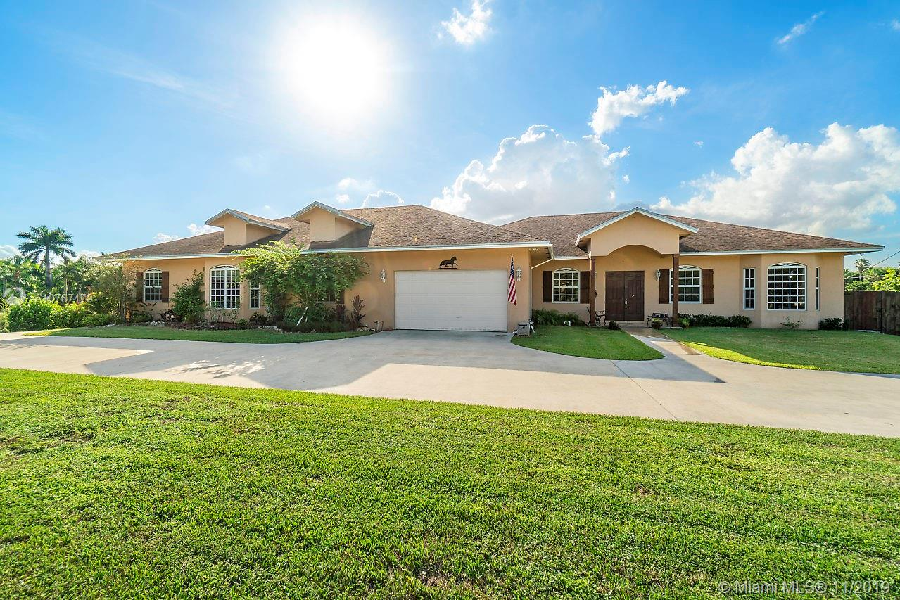 6915 SW 185th Way  For Sale A10767479, FL