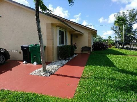 14800  Robinson St  For Sale A10767832, FL