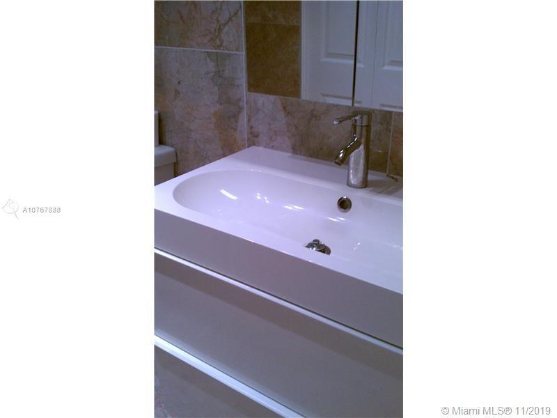1865 S Ocean Dr #2D For Sale A10767888, FL